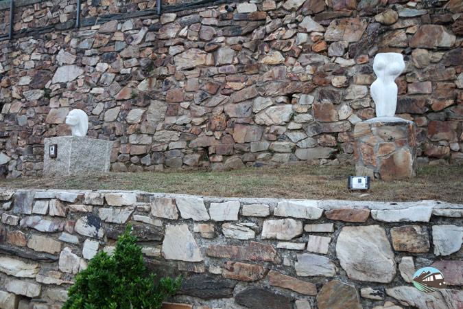 Esculturas de Puebla de la Sierra- Sierra del Rincón