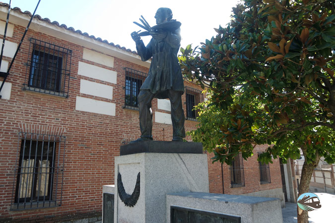 Monumento a Jesús Casas Gómez- Navalcarnero