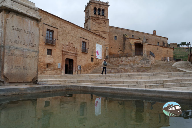 Plaza Mayor de Morón de Almazán