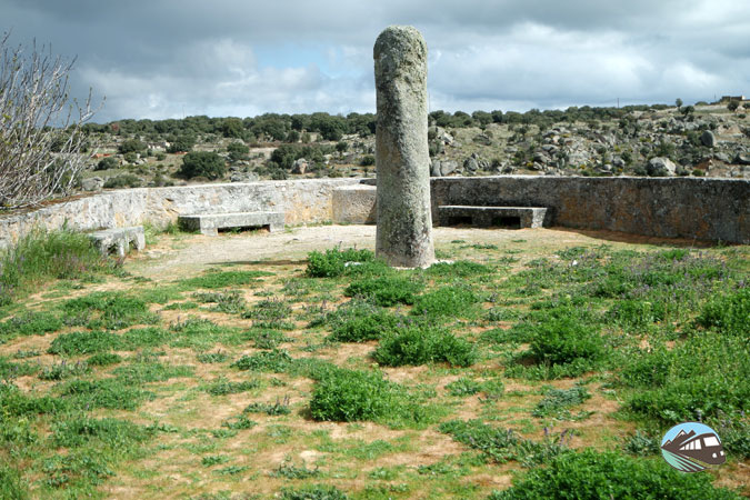 Menhir del Mirador - Ledesma