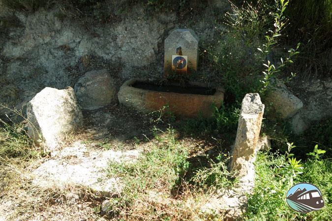 Fuente de agua - Lagares Rupestres