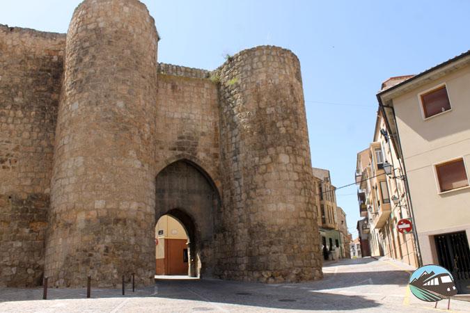 Puerta de los Herreros - Almazán