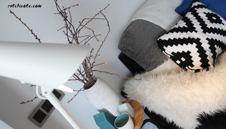Detalle rincón del sofa