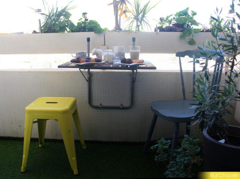 Nuestra terraza con el taburete de Sklum