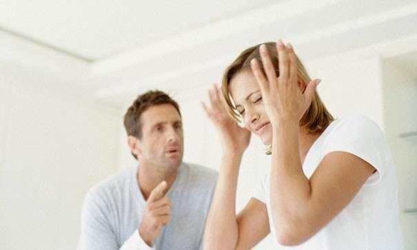 Постоянные упреки. Муж не любит жену: признаки того, что муж вас не любит