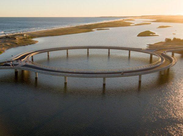 Rafael Viñoly Architects | CNN Style Names Laguna Garzón ...