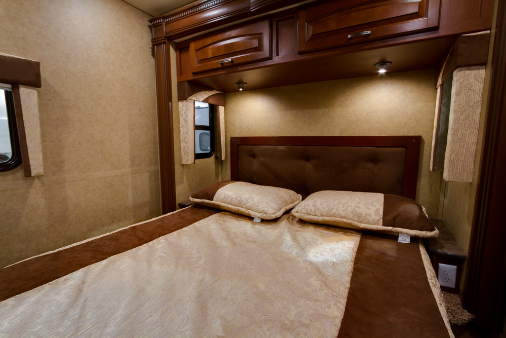 Get a 2 Bedroom RV Rental to Ensure that Your Family is Comfortable