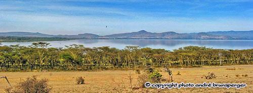 Le lac Naivasha sur la route de nos safaris au Kenya width=