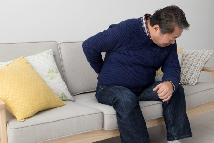 older man with chronic pain, he might benefit from cbd