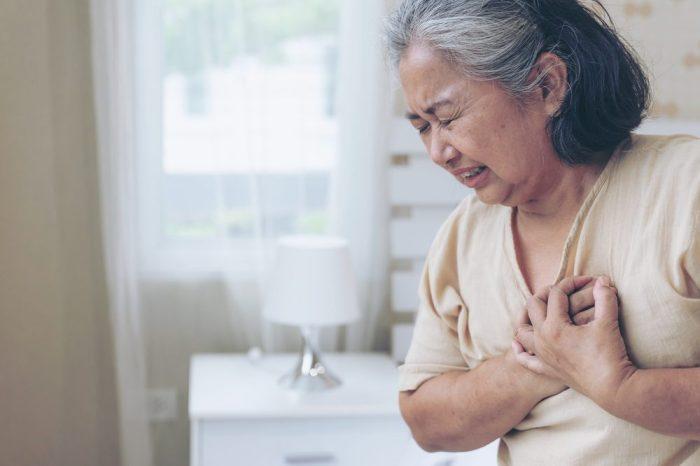 hiatus hernia giving older woman uncomfortable pain