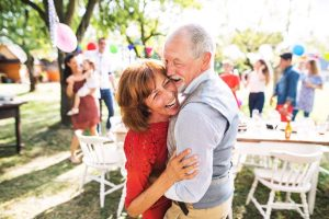 Alzheimers and CBD, elder, seniors, dementia, brain health, neuroprotectant, inflammation
