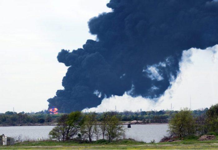 Texas, petrochemical fires, petroleum, plastics, hemp instead, hemp, bioplastics, sustainability, eco-friendly, sustainable products