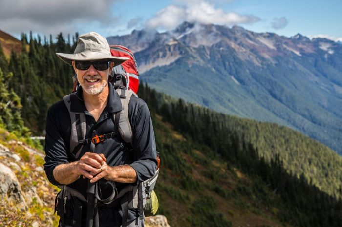 breakthrough pain reliever on board, man form earlier is now hiking in the mountains