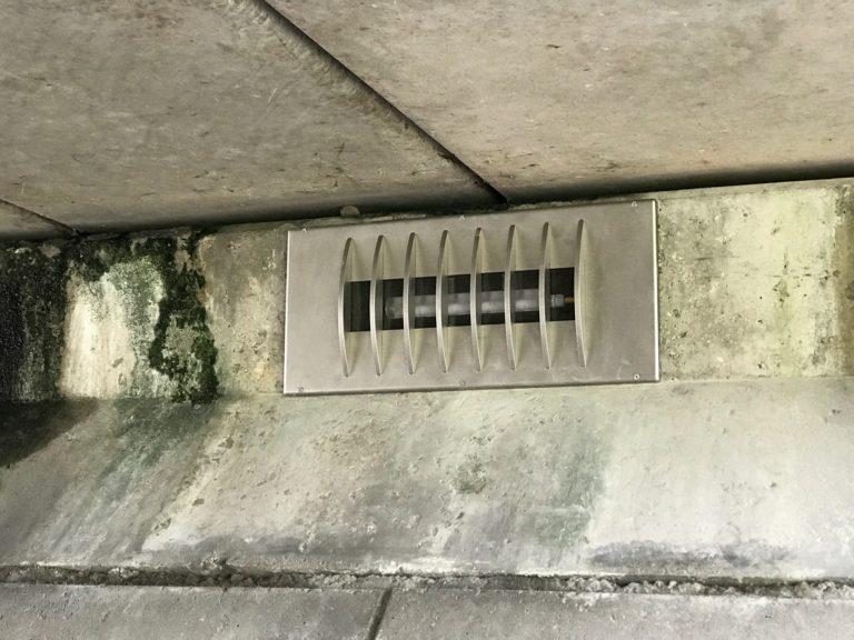 Vandaalbestendige verlichting en armaturen van RXLight in een tunnel in Lijnden.