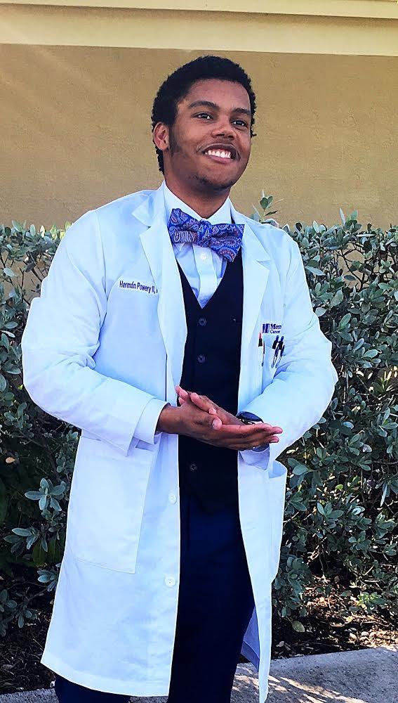 Dr Hermán Powery II, PharmD, BCOP