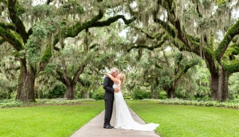 Kiss under the moss - Live Oak Allee - Brookgreen Gardens
