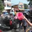 ソンクラン水かけ祭り