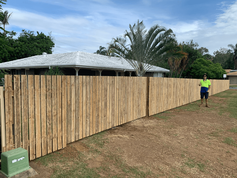 rycan-maintenance-timber-square-top-picket-fence