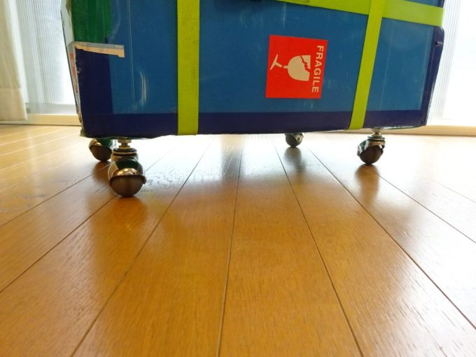 輪行箱の4輪キャスター