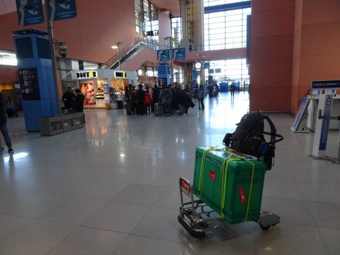 関西国際空港到着し終了
