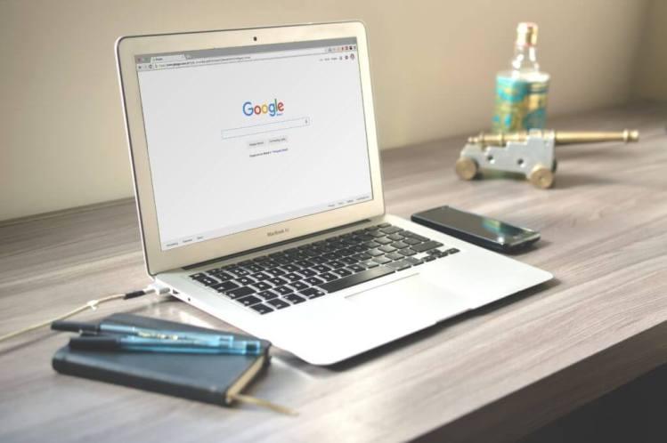 Le migliori idee di business Compra e vendi nomi di dominio come freelance