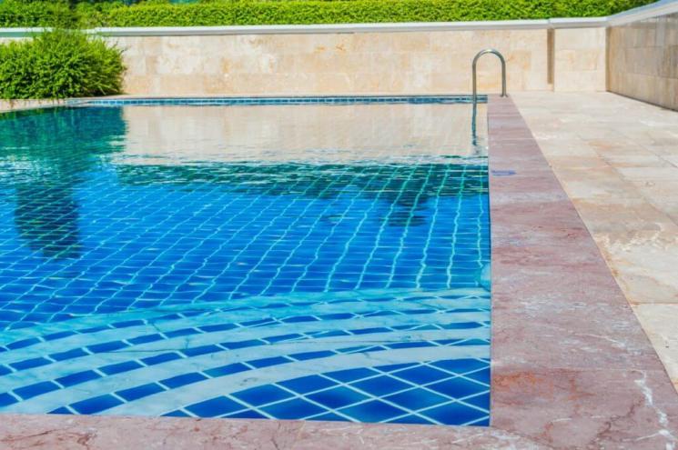 Migliori idee imprenditoriali Pulizia della piscina indipendente