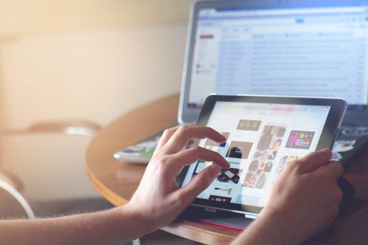 Guadagna online Avvia un sito di e-commerce e vendi prodotti fisici come freelance