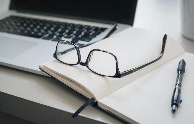 Delineare un post sul blog e scrivere l'esempio di contenuto