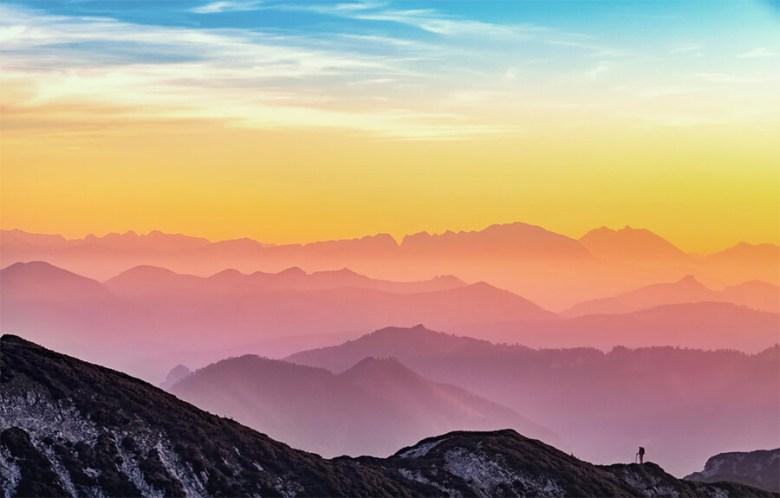 Scattare belle foto per il tuo blog di viaggio (Paesaggio di montagne ed escursionisti)