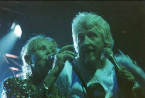 gong-bataclan-paris-1998