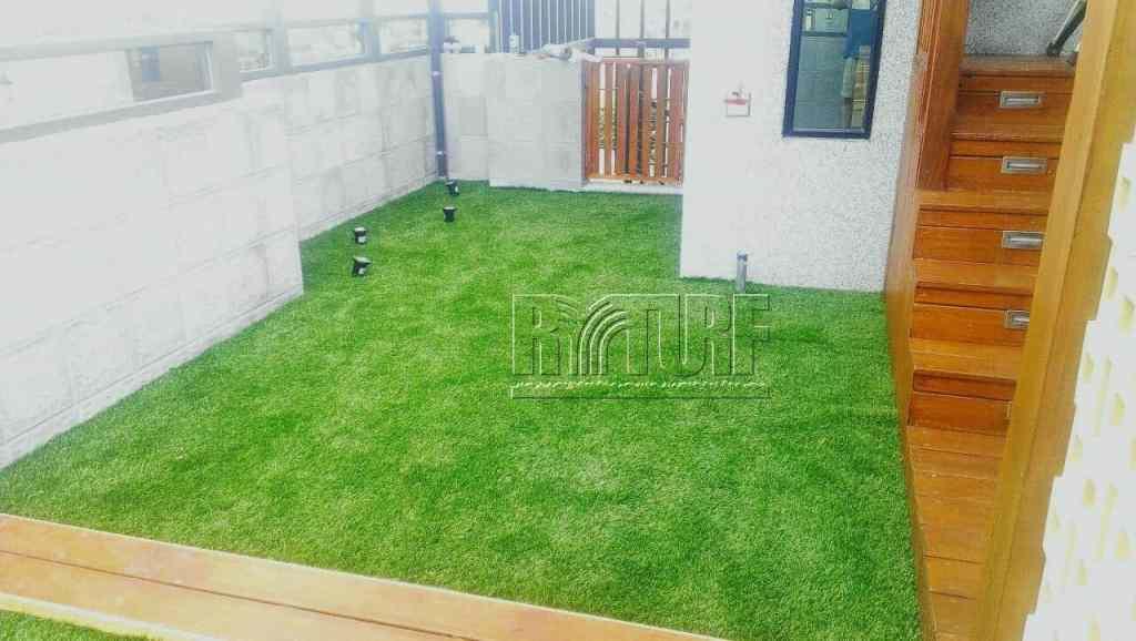 台中市北屯區5樓露台人工草景觀