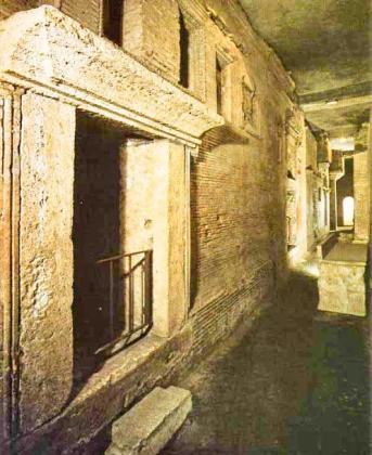 Podziemia Watykanu i grób św. Piotra 5