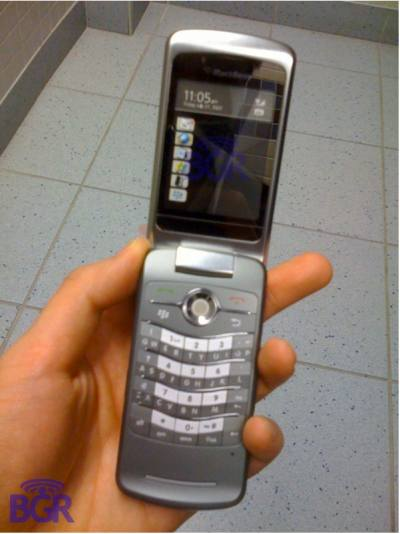 blackberry kickstart flip phone.jpg