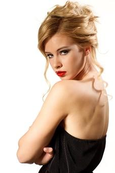 Cashrich2 ウルスシステム ウルフ2号EA 為替 FX EA 女性の写真
