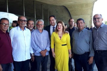 Prefeito Djalma Alves prestigia lançamento do 13º do Bolsa Família