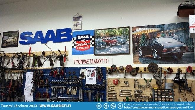 saab-garage-decorations