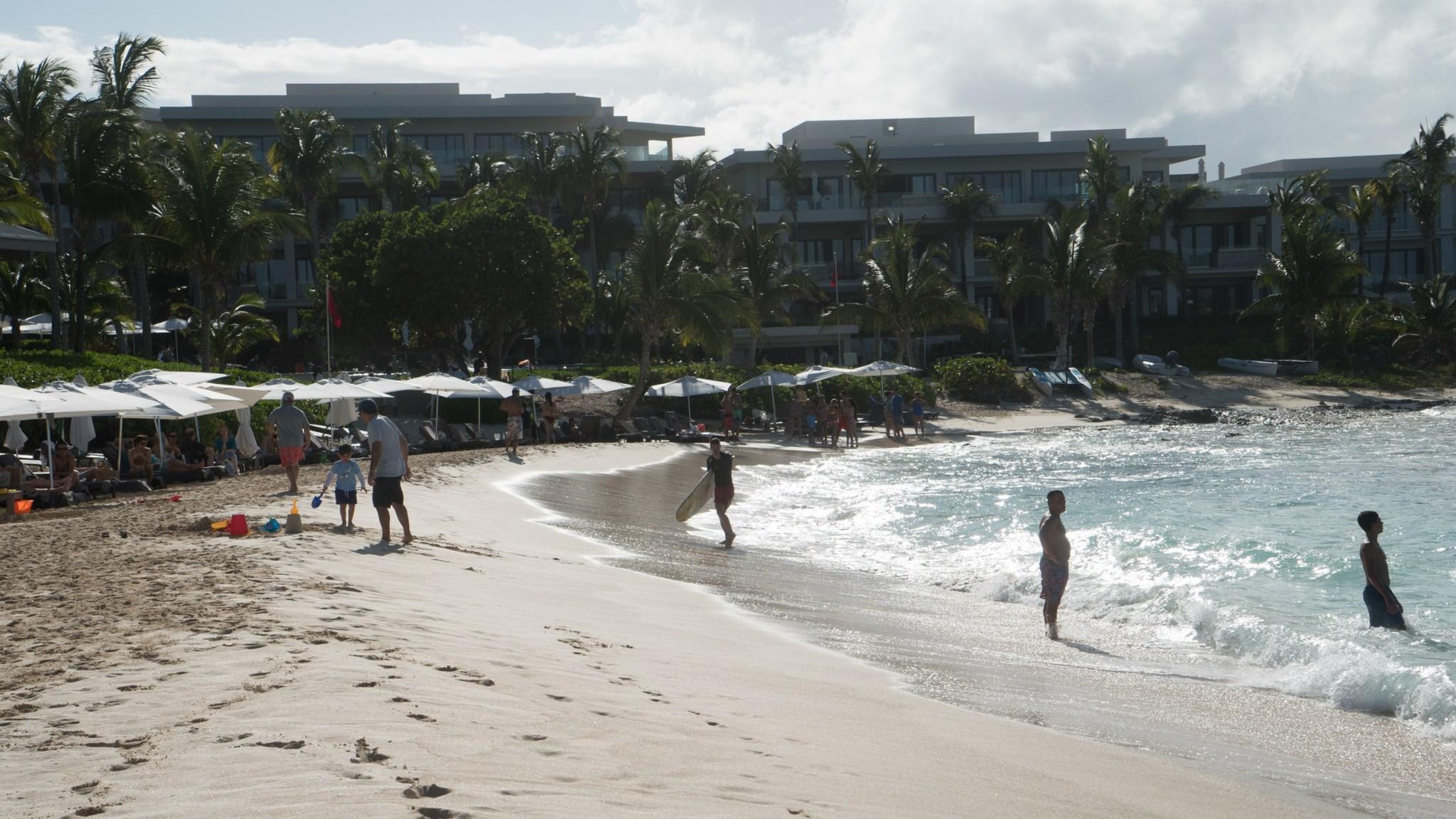 Olimme todella hotellin rannalla.