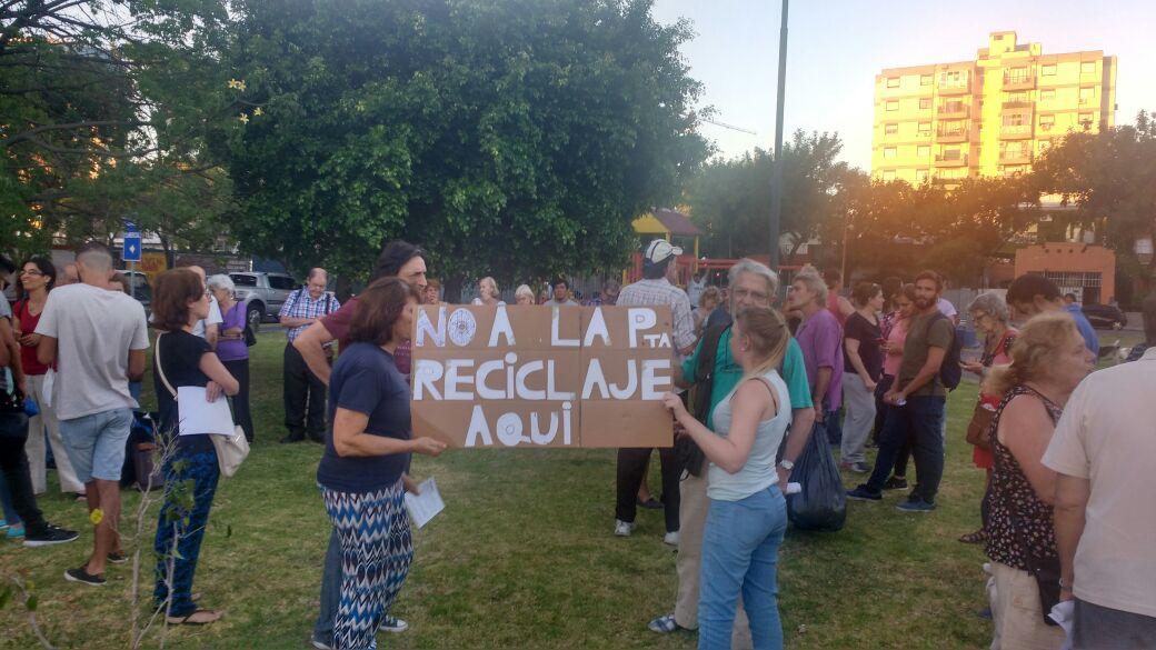 Vecinos de Saavedra contra la instalación de una planta recicladora en el barrio