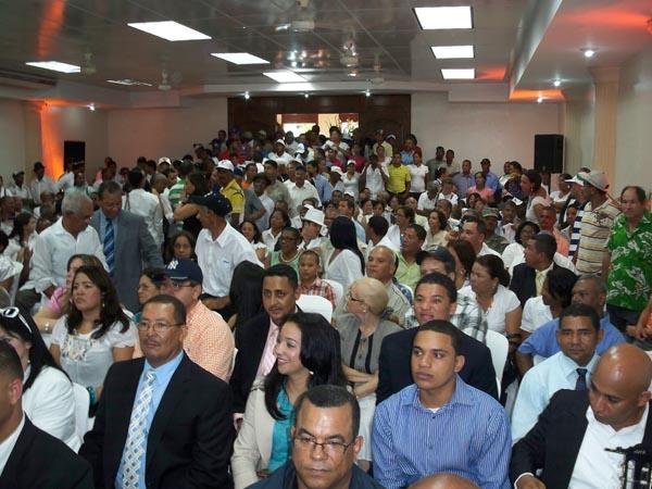 Público presente en la juramentación del alcalde William Torres en el 2010.