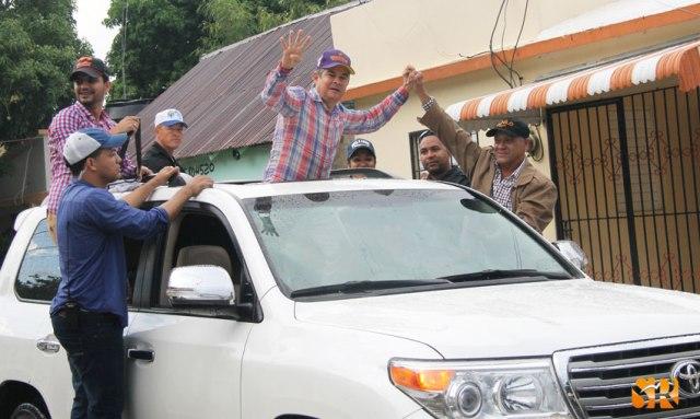Senador Antonio y el alcalde William Torres en la Caravana de la Alianza PLD - PRD