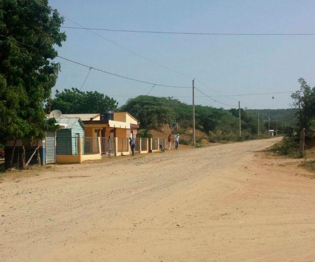 Carretera en la comunidad de Zamba