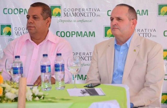 Alfredo Dorrejo (derecha).