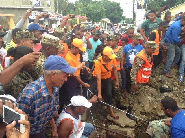 Julio Ramos (Pelo fino), momento que fue rescatado. (Foto: Carlos Bueno)