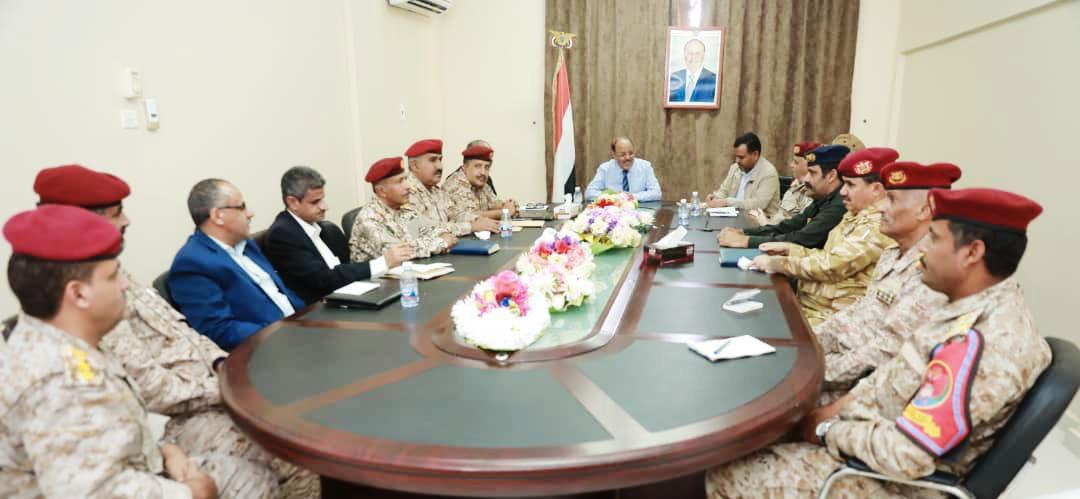 نائب رئيس الجمهورية يلتقي اللجنة الأمنية لمديريات الوادي والصحراء