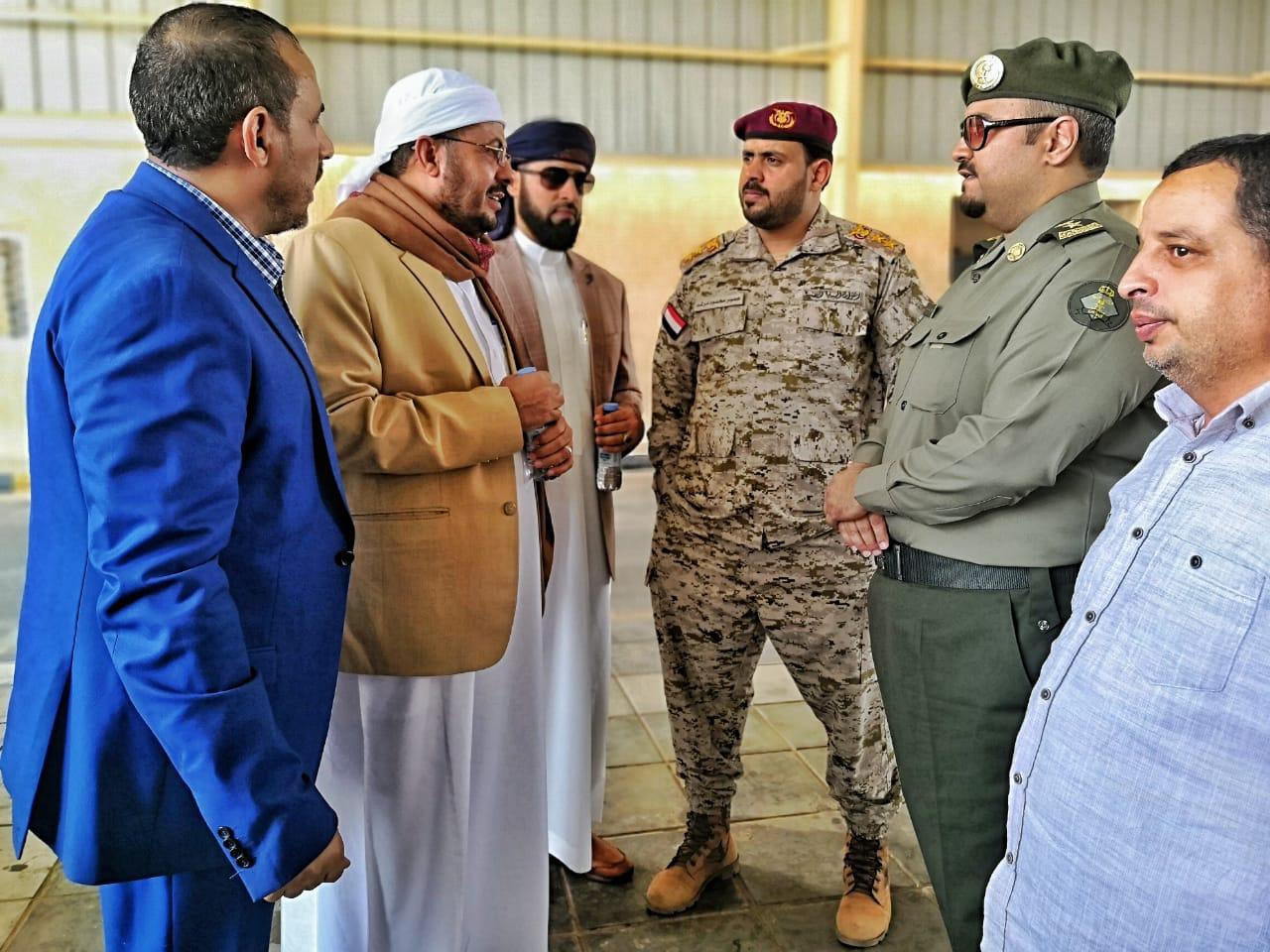 وزير الأوقاف يطلع على سير الاستعدادات لتفويج الحجاج اليمنيين في منفذ الوديعة