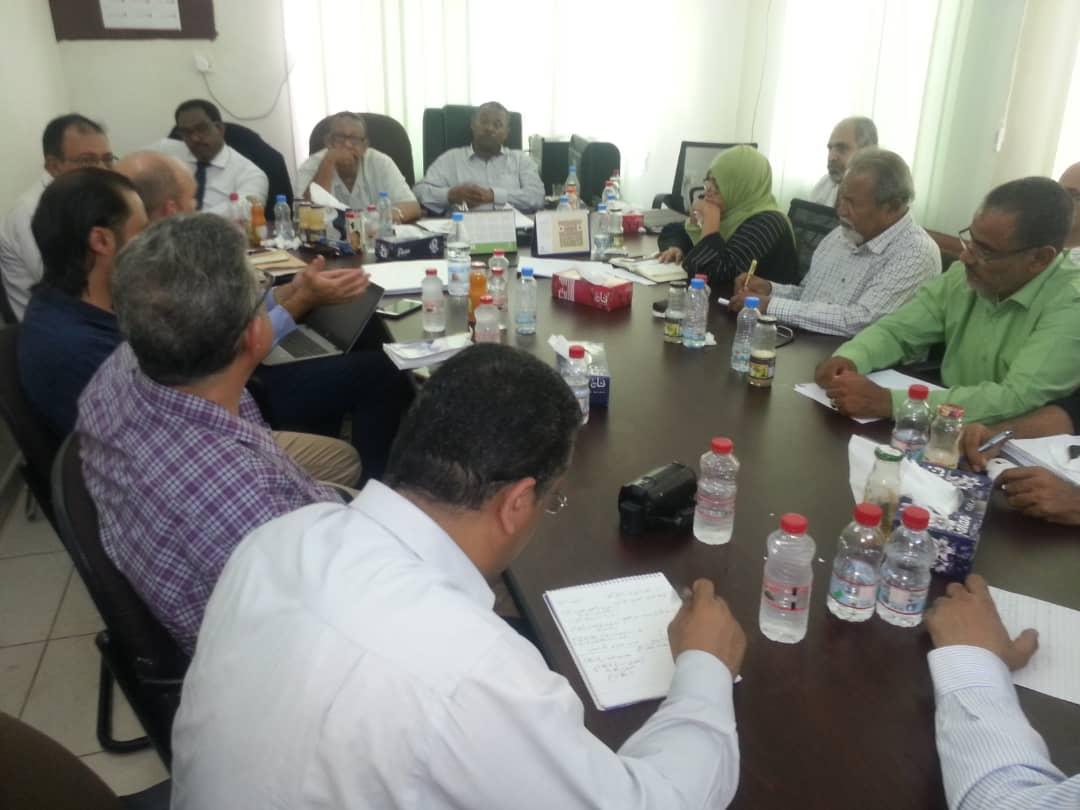 """وزارة الزراعة و""""الفاو"""" تناقشان مسودة مشروع تحسين الأمن الغذائي لصغار المزارعين بعدن"""