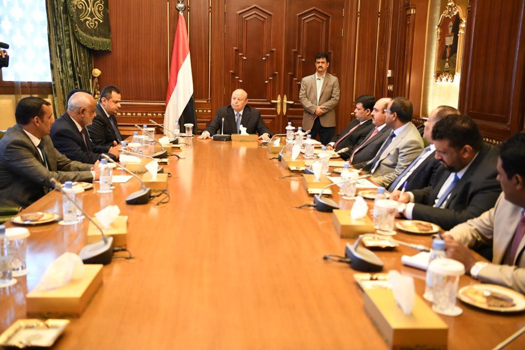 رئيس الجمهورية يلتقي محافظي عدد من المحافظات