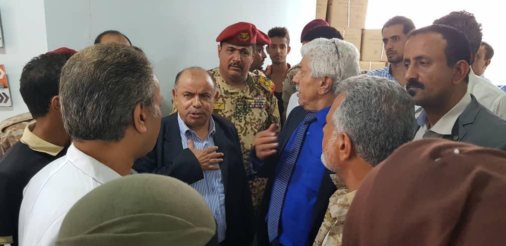 نائب رئيس الوزراء يطلع على اضرار التفجير الارهابي في مركز شرطة الشيخ عثمان