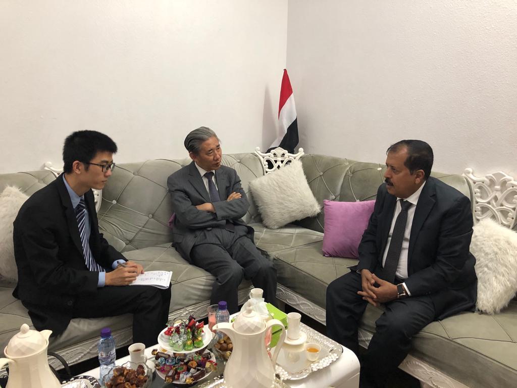 Photo of الحميري يلتقي السفير الصيني لدى اليمن