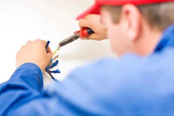 Não é fácil ser um eletricista licenciado é preciso gostar e se dedicar